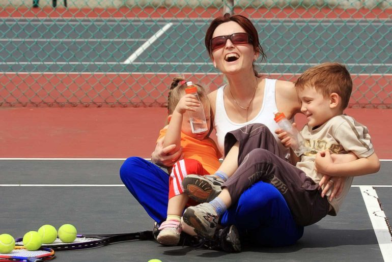5 Reasons Why Your Child Should Play Tennis